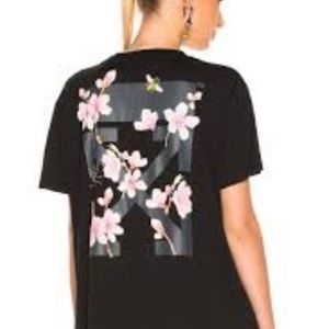 Off-White T-Shirt flowers